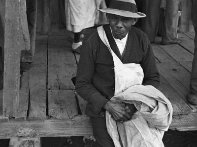 Cotton Picker, Arkansas, c.1935 Photo by Ben Shahn