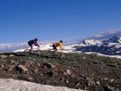 Mountain Biking in Loveland Pass, Colorado, USA Photographic Print by Lee Kopfler