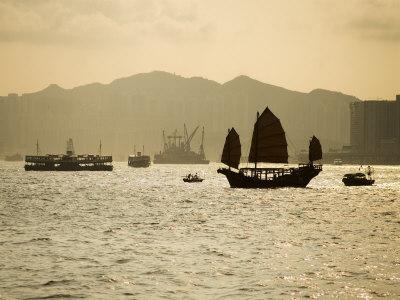 Duk Ling Junk Sailing on Hong Kong Harbour, Hong Kong, China Photographic Print by Greg Elms