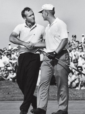 Golfer Jack Nicklaus and Arnold Palmer During National Open Tournament Metalldrucke von John Dominis