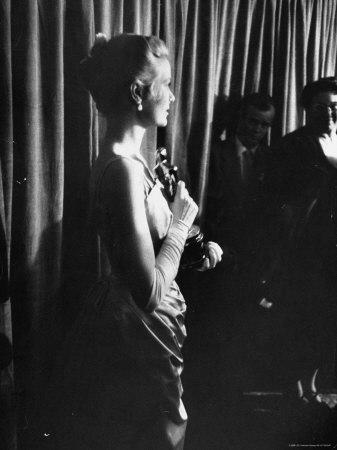 Grace Kelly Holding Her Oscar Metal Print by George Silk