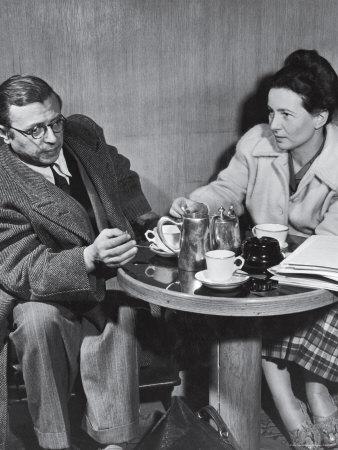 Philosopher Writer Jean Paul Sartre and Simone de Beauvoir Taking Tea Together Kunst på metal af David Scherman