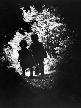 Children of Photographer with Eugene Smith Walking Hand in Hand in Woods Behind His Home Fotografisk tryk af W. Eugene Smith