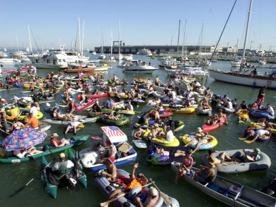 Fans Crowd into Boats, Kayaks, and Rafts Waiting for Their Chance to Catch a Home Run Ball Photographic Print