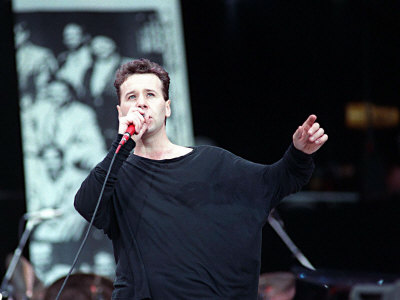 Jim Kerr of Simple Minds at Wembley Stadium in Honour of Nelson Mandela's 70th Birthday, June 1988 Fotografisk tryk