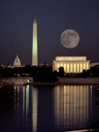 Moonrise over the Lincoln Memorial Lámina fotográfica