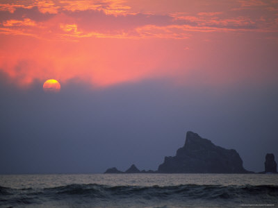 Sunset, Rialto Beach, Olympic National Park, WA Photographic Print by Brian Maslyar