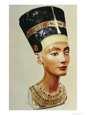Bust of Queen Nefertiti, from the Studio of the Sculptor Thutmose at Tell El-Amarna Giclee Print by  Egyptian 18th Dynasty