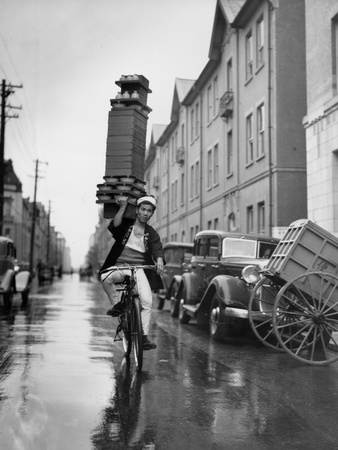 A Delivery Boy for a Tokyo Restaurant Carries a Tray of Soba Bowls Photographic Print