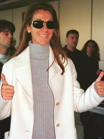 Singer Celine Dion at Heathrow Airport, November 1998 Photographie