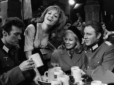 1968 Film Where Eagles Dare: Clint Eastwood, Richard Burton, Mary Ure and Ingrid Pitt Lmina fotogrfica