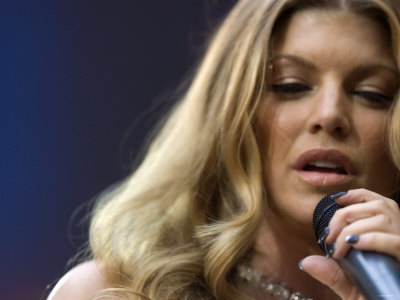 Fergie Performing at the Princess Diana Memorial Concert at Wembley Stadium Fotografisk tryk