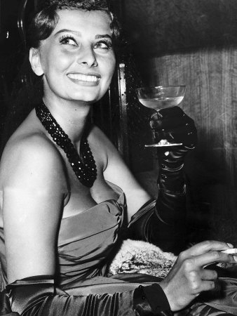 Sophia Loren Actress at the Variety Club Charity Premiere of the Key in the Odeon Leicester Square Photographic Print