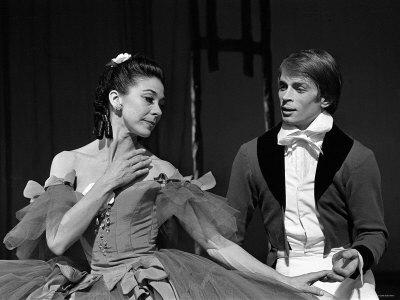Rudolf Nureyev and Margot Fonteyn During Press Call For Royal Ballet Lámina fotográfica