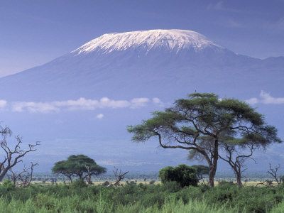 Mount Kilimanjaro, Amboseli National Park, Kenya Lámina fotográfica por Art Wolfe