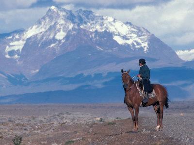 Sheep Herd and Gaucho, Patagonia, Argentina Lámina fotográfica por Art Wolfe