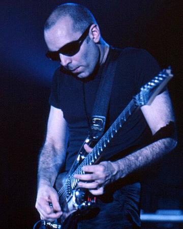 Joe Satriani Photo