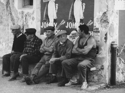 Men on a Bench in Saint Tropez Photographic Print by Vincenzo Balocchi