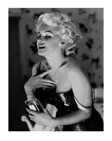 Marilyn Monroe, Chanel No.5 Poster Print