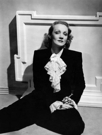Marlene Dietrich, Early 1940s Foto