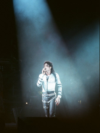 Michael Jackson after Performing on Stage at Wembley During the Bad Concert Tour, July 14, 1997 Photographie