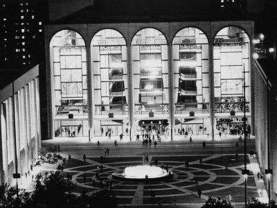 The Metropolitan Opera House, Lincoln Center, New York, 1969 Lámina