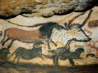 Ancient Artwork on the Walls of the Cave at Lascaux Lámina fotográfica