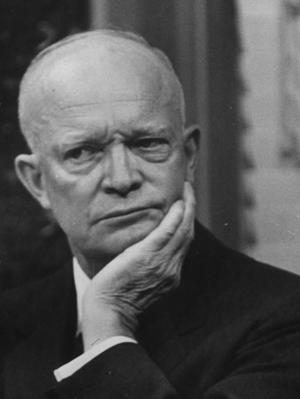 US Pres. Dwight D. Eisenhower Holding a Press Conference Fototryk i høj kvalitet