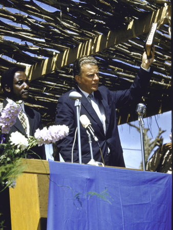 billy graham preaching. Evangelist Billy Graham