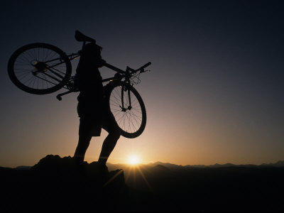 Silhouette of Cyclistist at Sunrise, Boulder, Colorado, USA Photographie