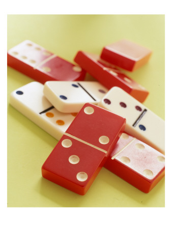 Red and White Dominoes Photo