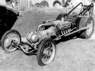 vintage-front-engined-dragster.jpg