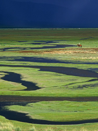 Steppeland, A Lone Horse Herder Out on the Steppeland, Mongolia Fotografisk tryk af Paul Harris