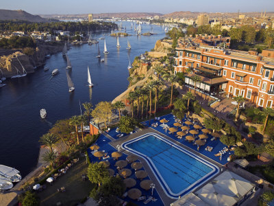 Aswan in Late Afternoon, Old Cataract Hotel in front, Where Agatha Christie Wrote Death, Nile Photographie