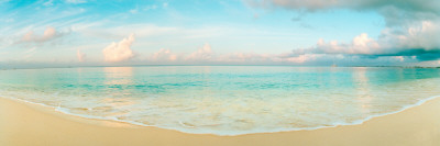 Waves on the Beach, Seven Mile Beach, Grand Cayman, Cayman Islands Fotografisk tryk af Panoramic Images,