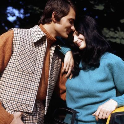 Retro Couple in 1970s Wiinter Fashions Photographic Print