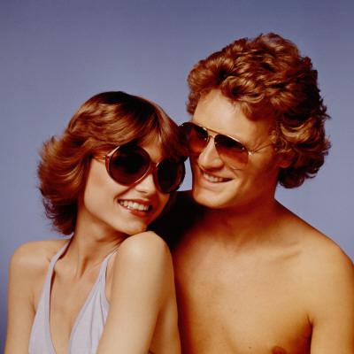 Retro Couple Modelling Sunglasses, Shades, Matching, Stylish Lámina fotográfica