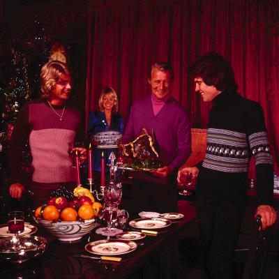 Retro Christmas Gathering, Xmas Jumpers, Knitwear, Evening, Food Lámina fotográfica