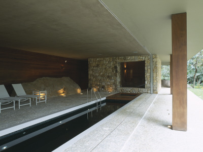 - casa-araras-brazil-indoor-pool-architect-marcio-kogan