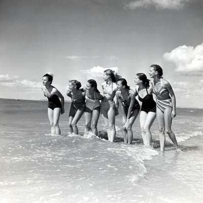 """Marquis De Cuevas"""" Company on the Beach at Deauville: 7 Girls, 7 Nationalities Photographic Print"""