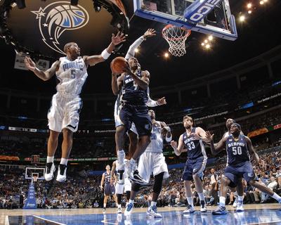 Memphis Grizzlies v Orlando Magic: Tony Allen and Quentin Richardson Photo by Fernando Medina