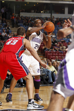 New Jersey Nets v Sacramento Kings: Carl Landry and Kris Humphries Lámina fotográfica