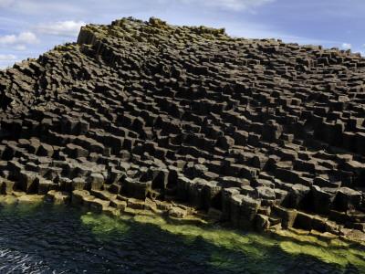 Basalt Columns Near Fingal's Cave on the Isle of Staffa Fotoprint av Jim Richardson