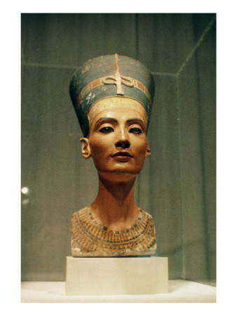 Bust of Queen Nefertiti, Front View, from the Studio of the Sculptor Thutmose at Tell El-Amarna Premium Giclee Print by  Egyptian 18th Dynasty