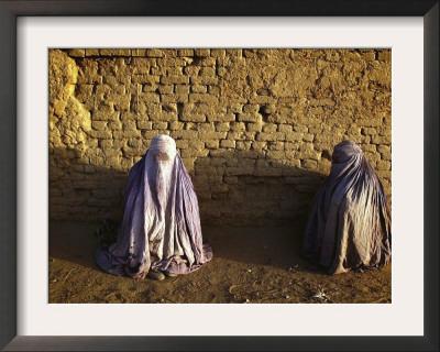 kabul afghanistan women. Afghan Women Clad in Burqas