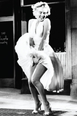 Marilyn Monroe-Skirt Raise Poster