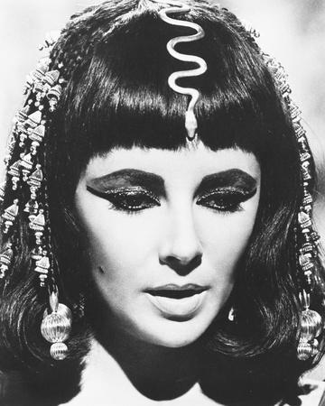 Elizabeth Taylor - Cleopatra Photo