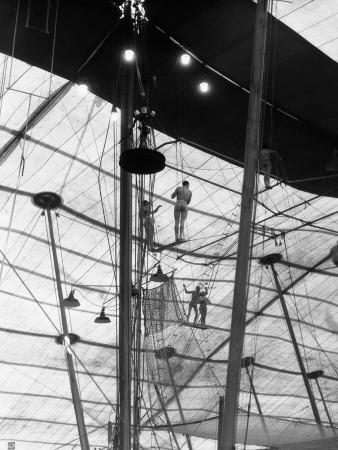Men and Women Circus Performers on Flying Trapeze, Ringling Brothers Circus Photographic Print by H. Armstrong Roberts