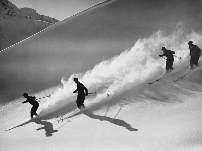 Downhill Skiing Photographic Print by H. Armstrong Roberts