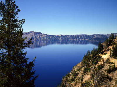 Crater Lake in Crater Lake National Park, Oregon, USA Lámina fotográfica
